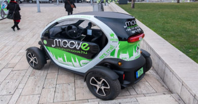 Moove Electric Car