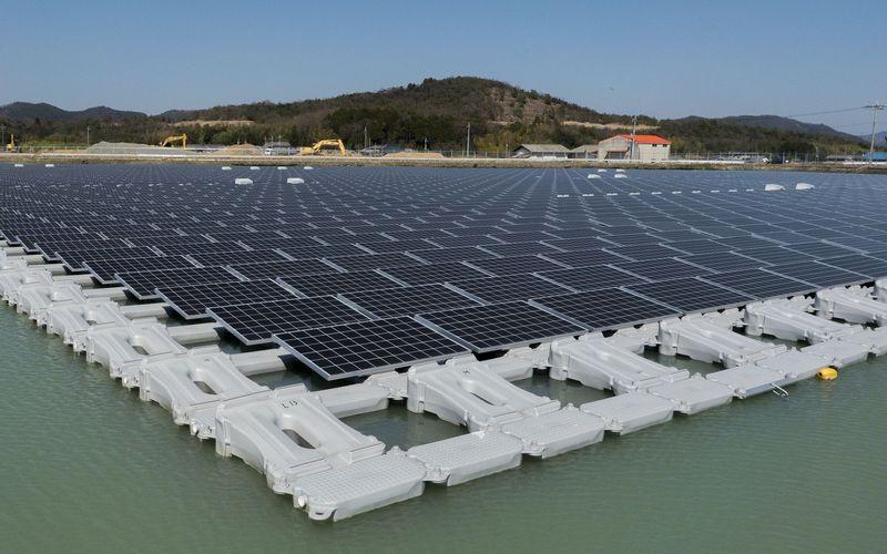 Solar Modules in 40mw Floating Solar Plant