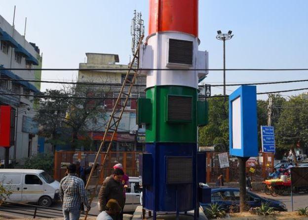 smog tower in Delhi market