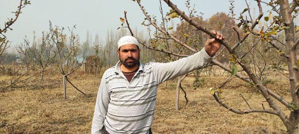 Fayaz-Ahmad,-40,-a-local-farmer-in-Doru-Shahabad